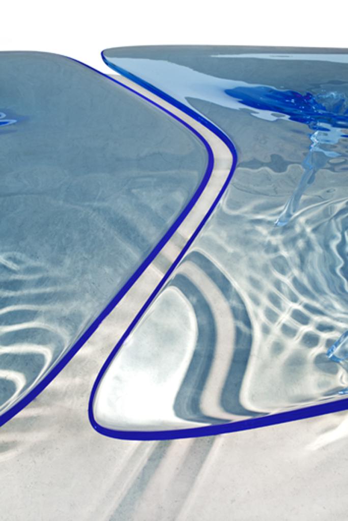 Jacopo spilimbergo zaha hadid blu liquid glacial table for Zaha hadid liquid glacial table