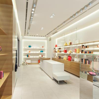 2 Valextra Shop Tokyo